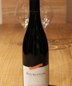 bouteille Bourgogne Pinot Noir David Duband sur table en bois