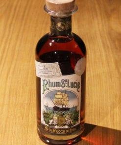 bouteille Rhum Santa Lucia Maison du Rhum sur table en bois